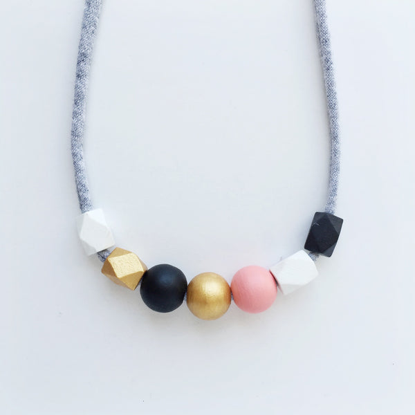 sally petite necklace