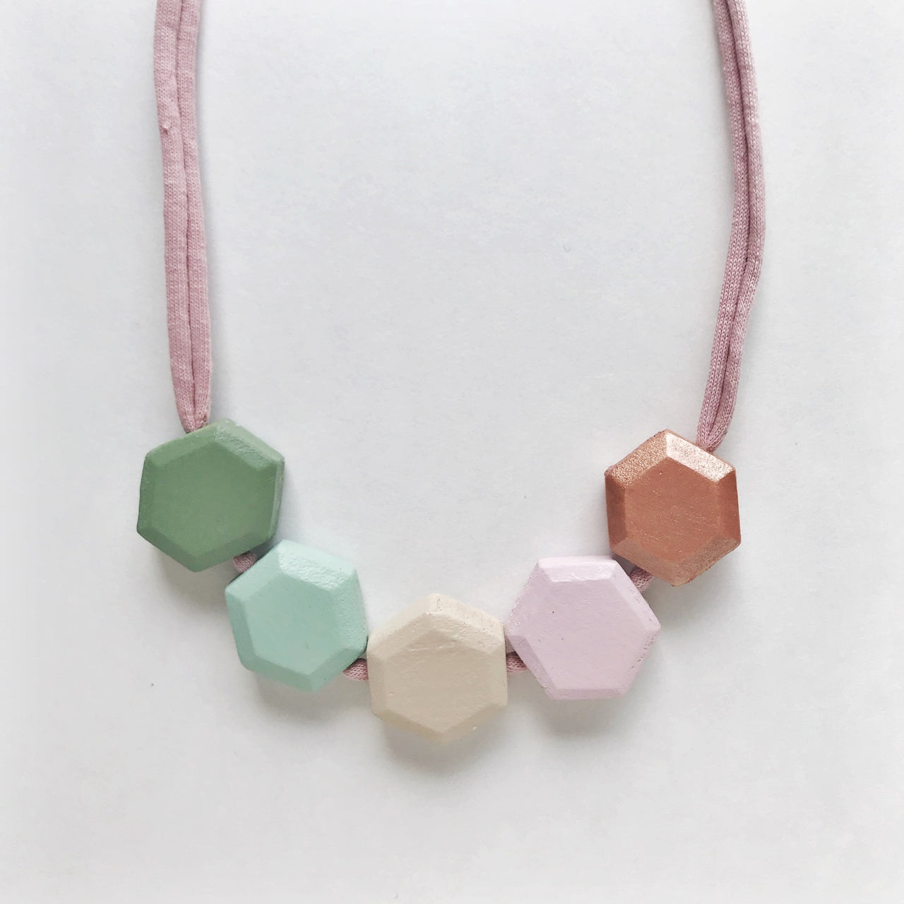 nova honeycomb necklace