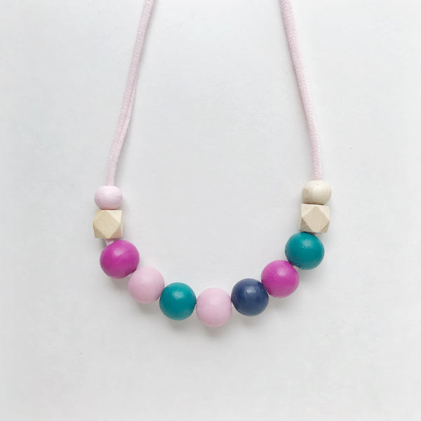 aoife petite necklace