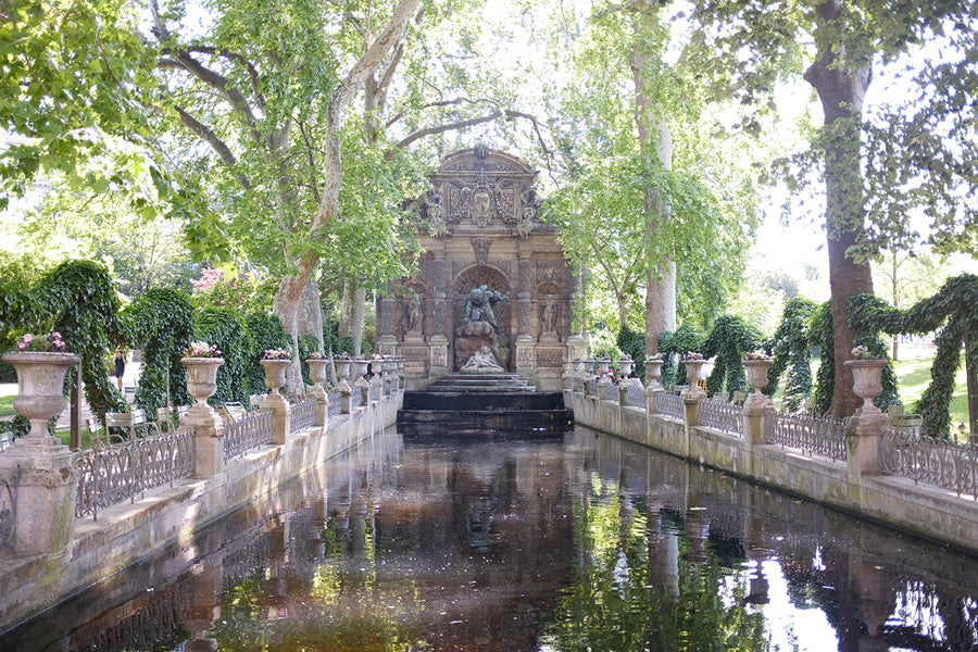 Medici Fountain in Luxembourg Gardens in Summer - Every Day Paris