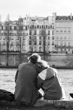 Paris Lovers on the Seine - Every Day Paris