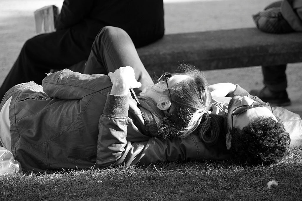 Lovers in Place des Vosges Paris - Every Day Paris