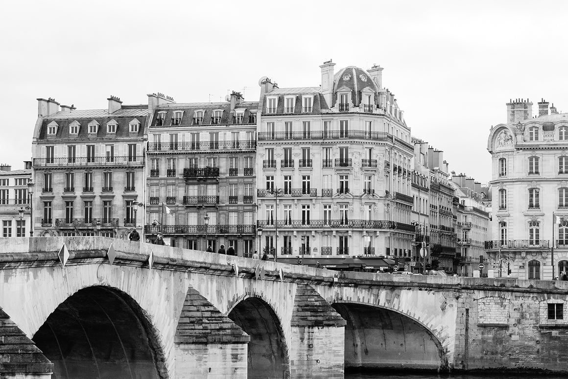 Black and White Seine Morning Stroll - Every Day Paris