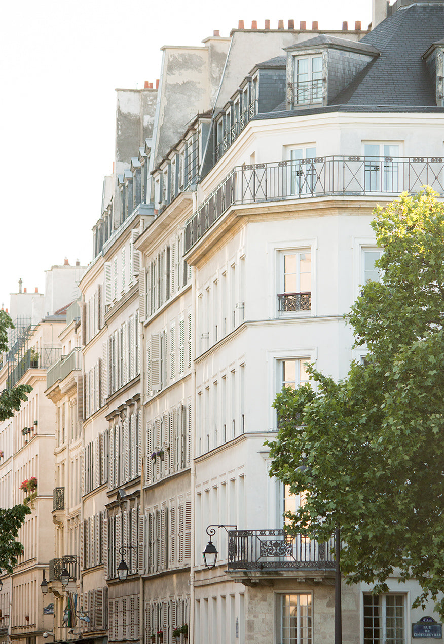 Chasing Light on île St Louis - Every Day Paris