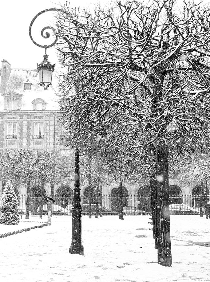 Snowy Morning in Place des Vosges