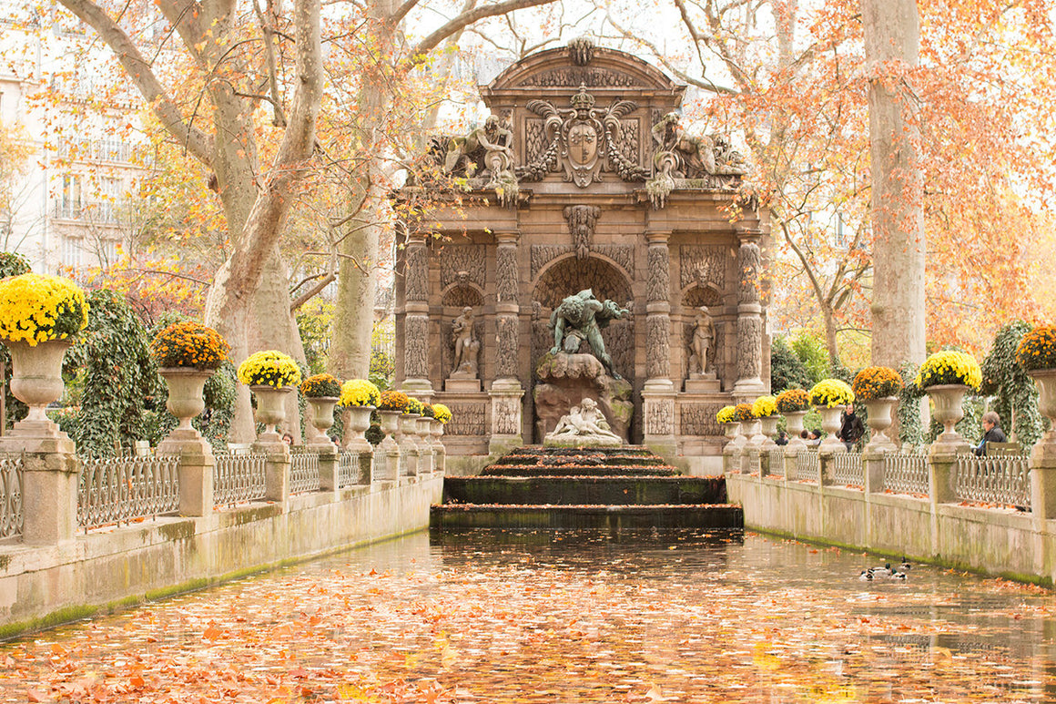 Medici Fountain in Jardin du Luxembourg in Autumn - Every Day Paris