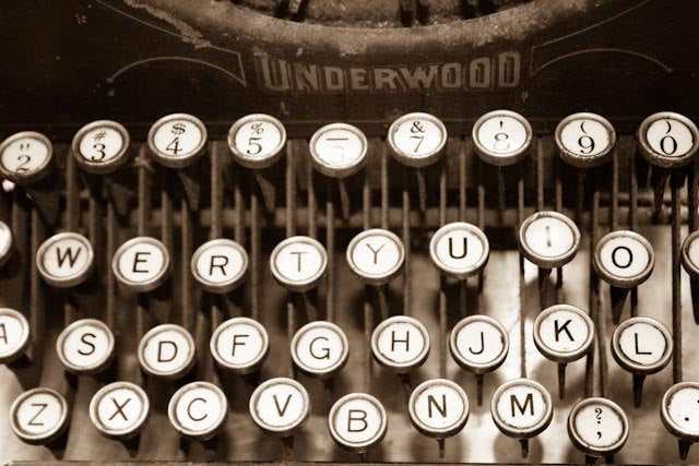 Paris Photograpy, Paris, France, Antique Typewriter, Love Letters, Office Decor, Underwood Typewriter Photo