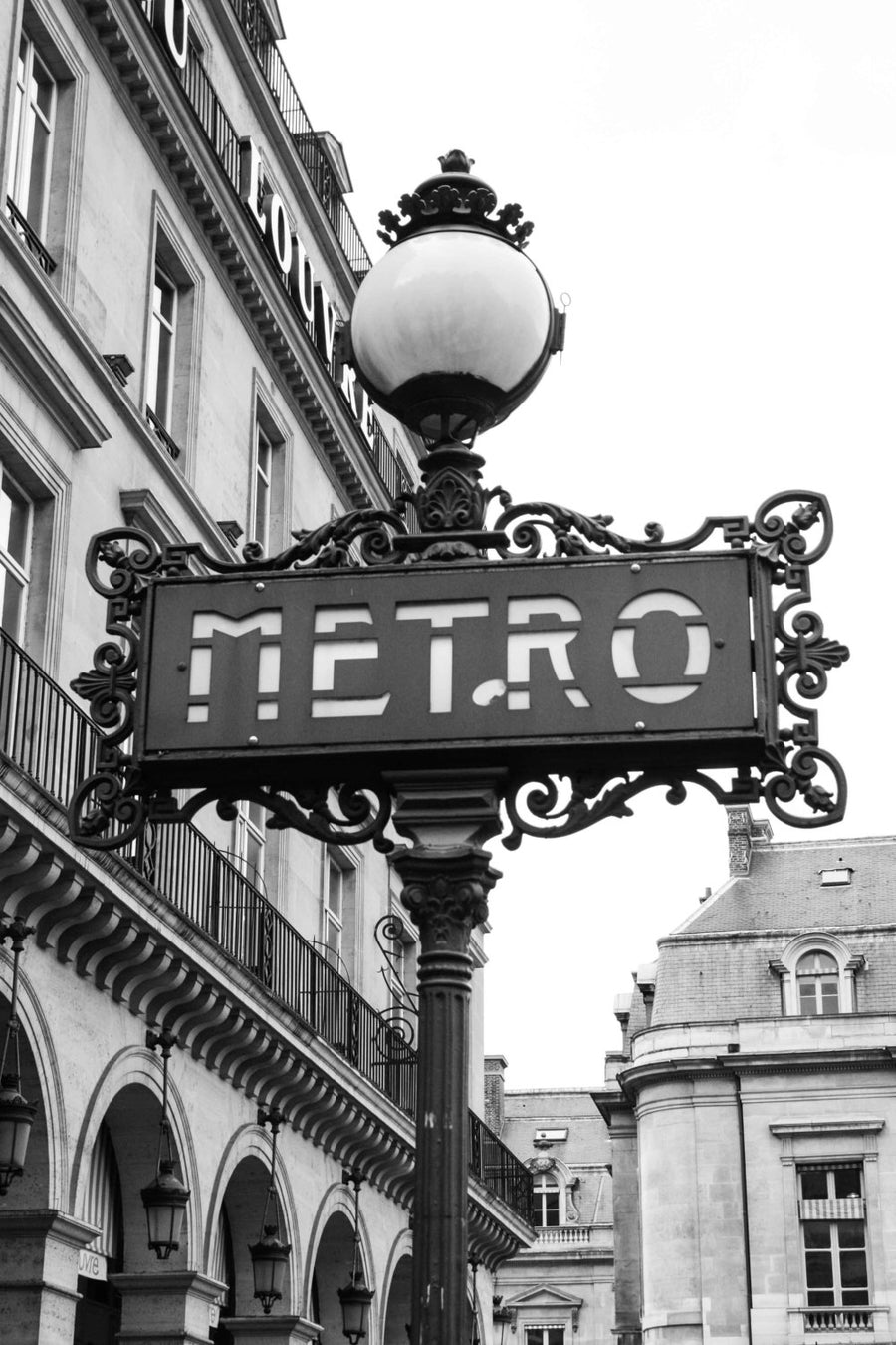 The Paris Metro at the Louvre - Every Day Paris