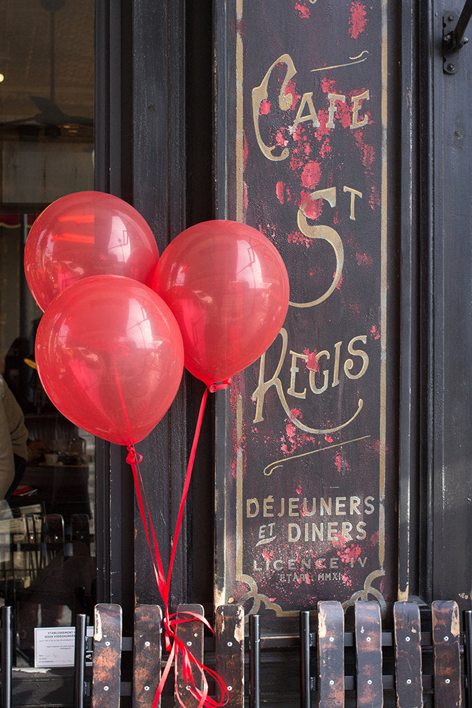Red Balloons at Café St Regis - Every Day Paris