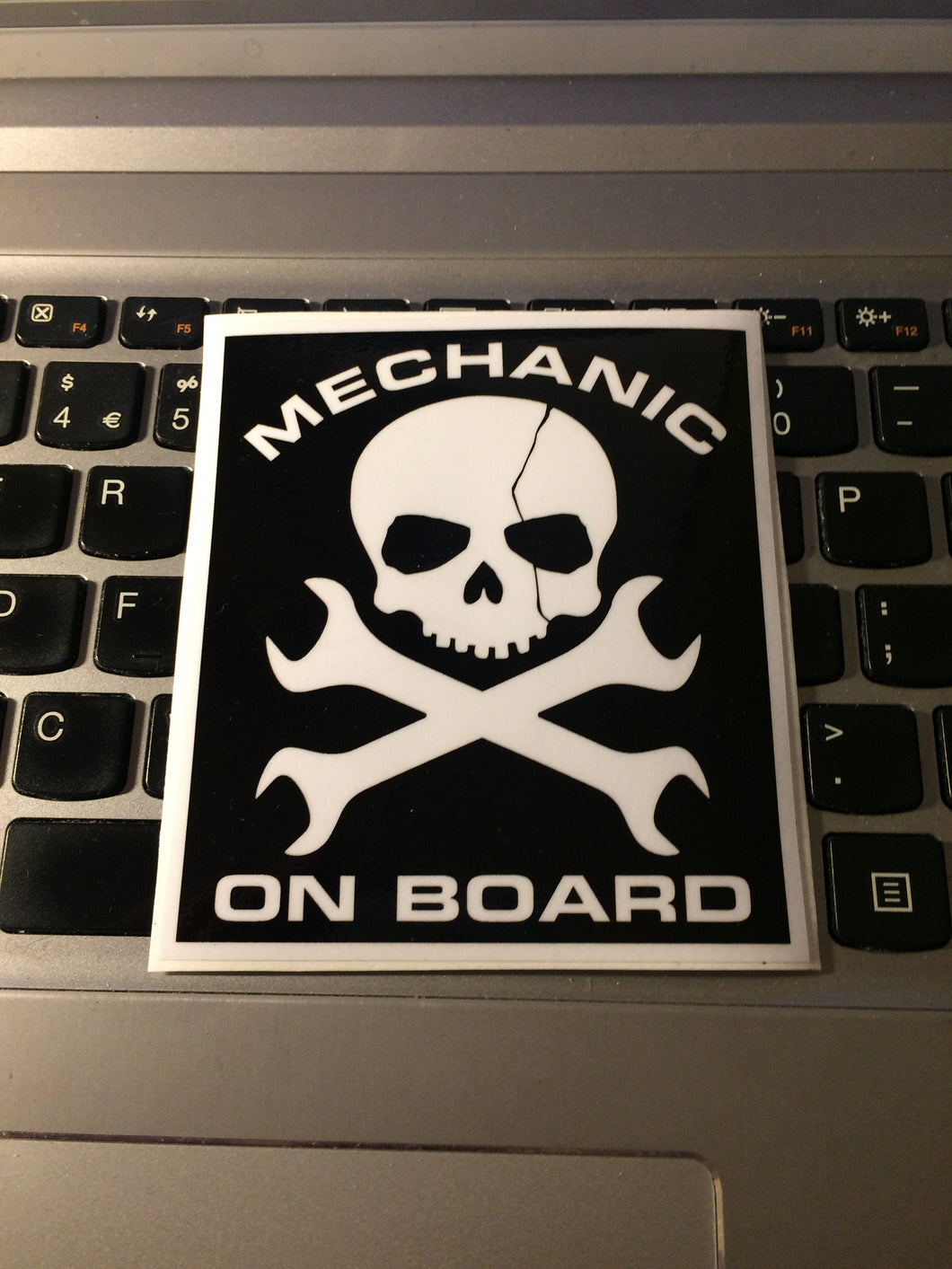 MECHANIC ON BOARD SKULL square Slap Sticker