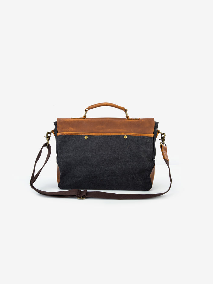 Vintage Canvas Messenger Bag in Onyx