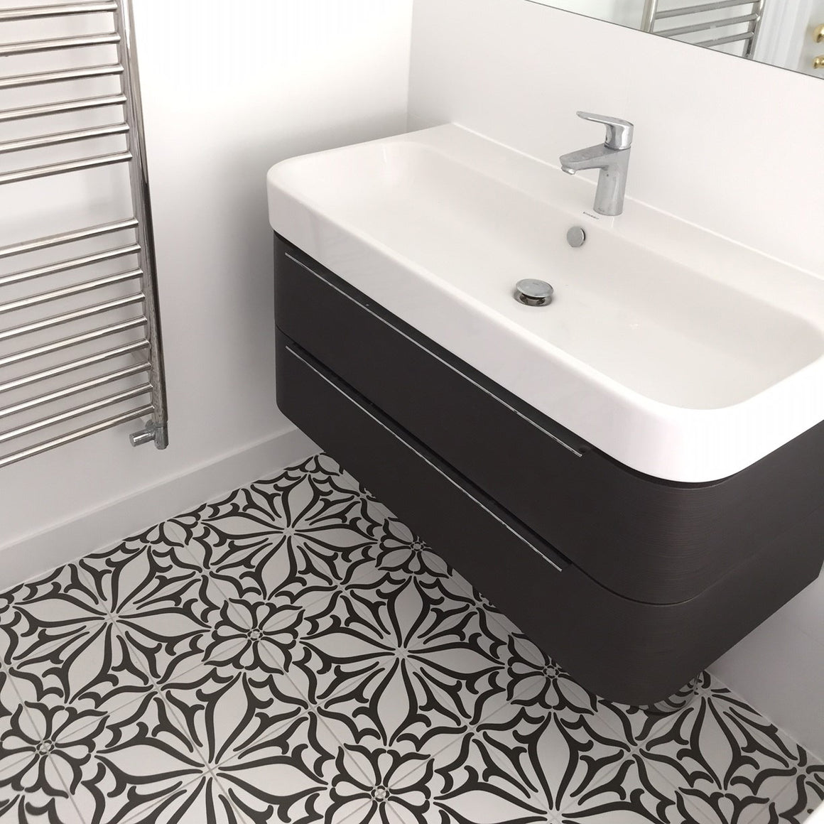 Pistil Black and White timeless matte porcelain decorative pattern tile for residential and commercial bathroom and kitchen floor and wall imported from Portugal, Kerion Décor Classic C Noir available from TilesInspired Canada's Online Tile Store delivering across Ontario and Quebec, including Toronto, Montreal, Ottawa, London, Windsor, Kitchener, Muskoka, Barrie, Kingston, Hamilton, and Niagara tile idea