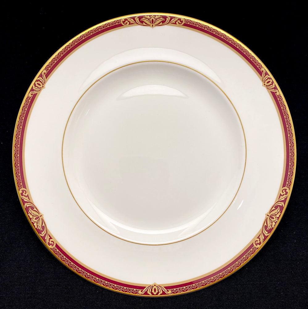 ROYAL DOULTON Tennyson - 12 Place Settings +