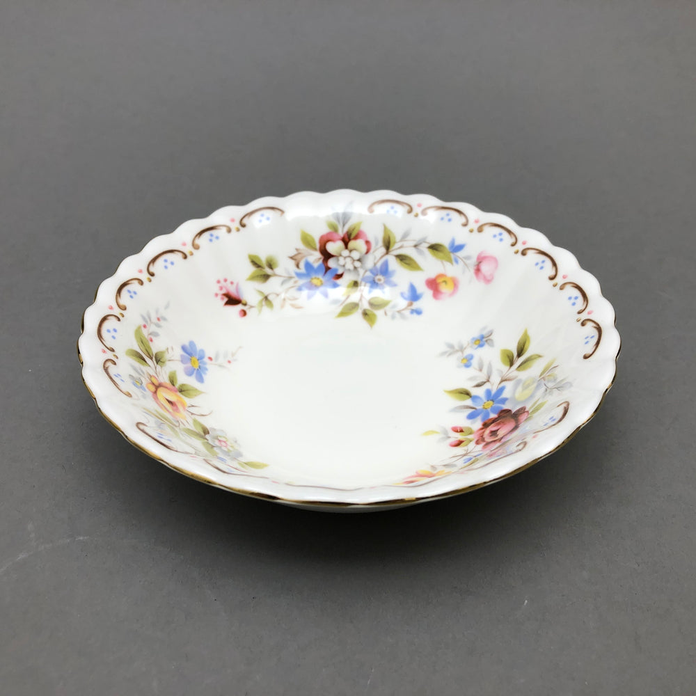 "ROYAL ALBERT Jubilee Rose 5.5"" Bowls - Set of 7"