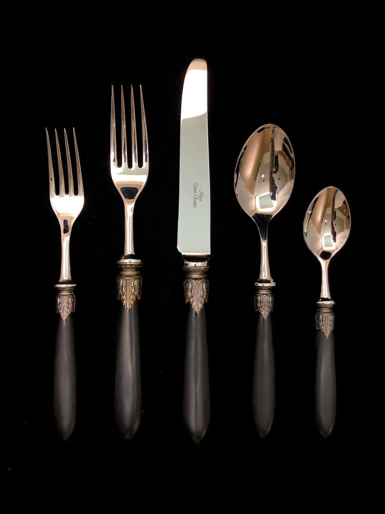 ALAIN ST JOANIS Colchique Black - 8 Place Settings +