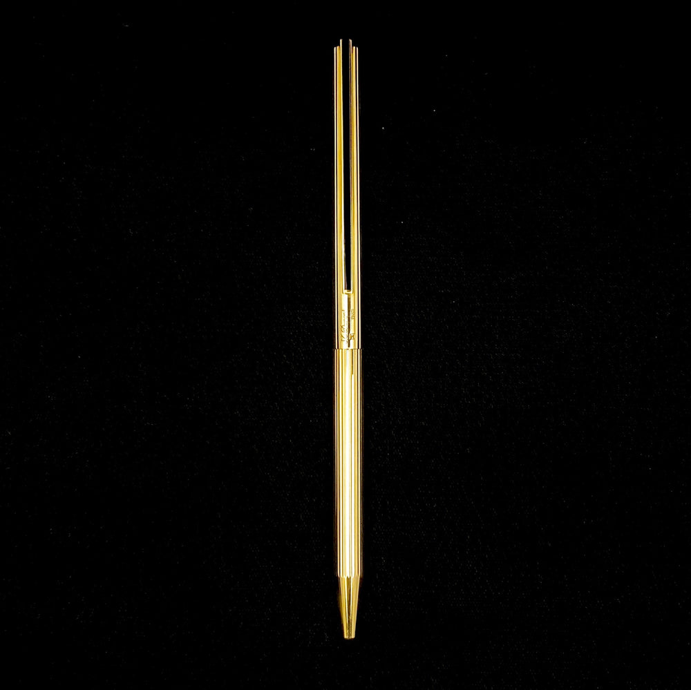 Load image into Gallery viewer, S.T. DUPONT Classique Gold Plated Pen