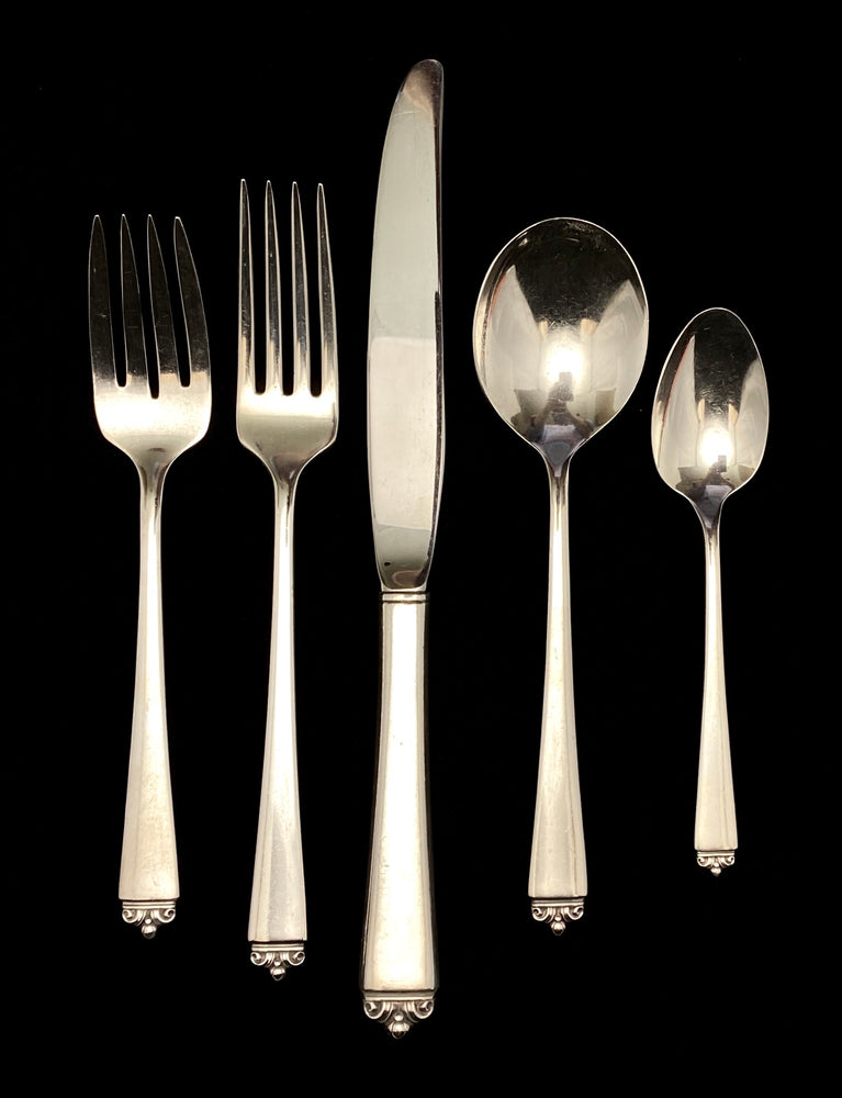 Heirloom Oneida Reigning Beauty Sterling Silver Flatware - 6 Place Settings +