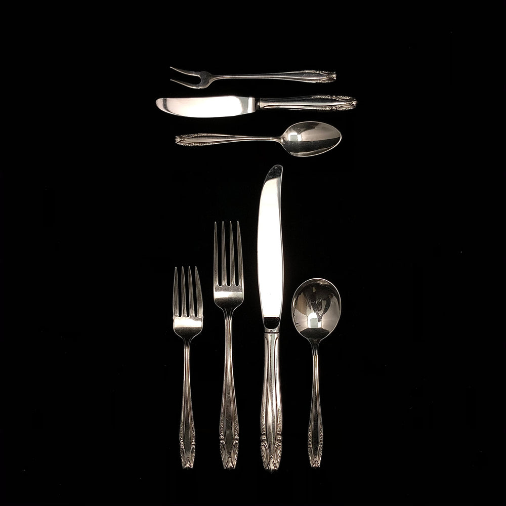 Wallace Stradivari Flatware - 11 Place Settings +