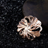 Luxurious Rose Gold Emerald Flower Necklace