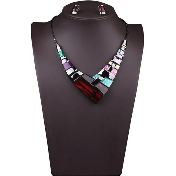 Women Multiple Splice Alloy Resin Necklace