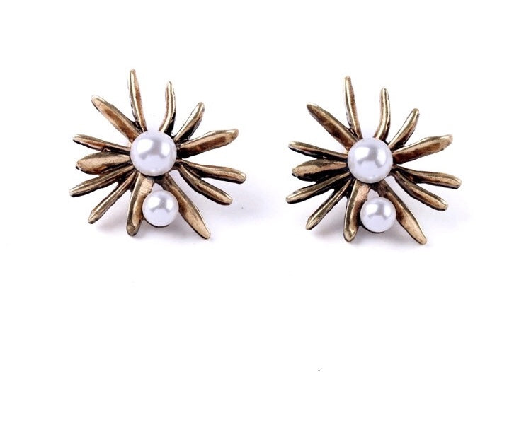 OCTA PEARL EARRINGS