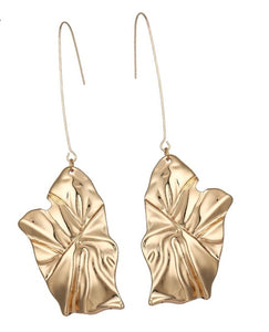 DELTA- CHUNKY LEAF PENDANT DROP EARRINGS