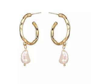 PERLE- DROP FRESHWATER PEARL EARRINGS