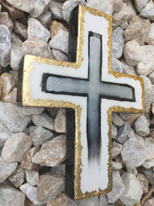 LEEMYSOUL RESIN CROSS- WHITE/BLACK