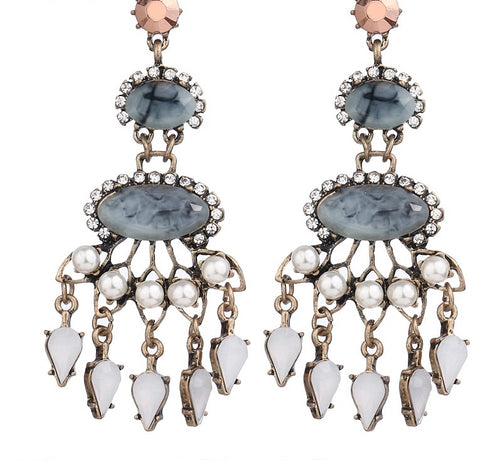 CHLOE-DANGLE EARRINGS