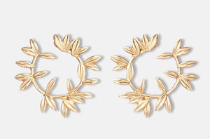 STEFANI- OPEN WREATH GOLD STUDS