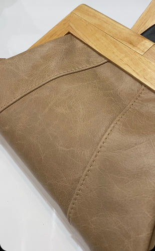 MOY TASMANIA TAN LEATHER CLUTCH