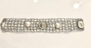 ATHENA-PEARL METALLIC THREAD BRACELET