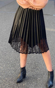 CYLIA- FAUX LEATHER BLACK PLEATED SKIRT