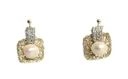 WELLA- 2 TONE PEARL EARRINGS
