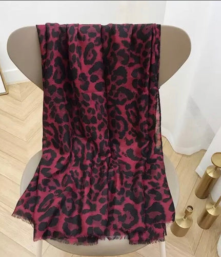 LEOPARD PRINT RED SCARF