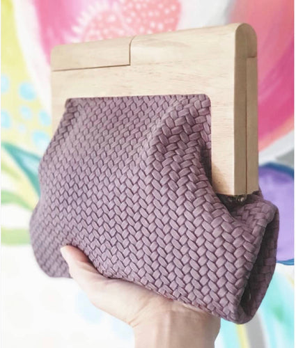 MOY TASMANIA MAUVE CABLE LEATHER CLUTCH