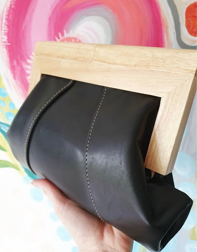 MOY TASMANIA BLACK LEATHER CLUTCH