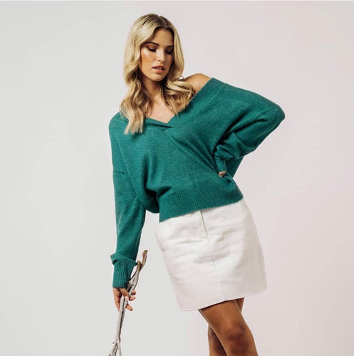 KITTY- RELAXED V NECK-KNIT- TURQUOISE GREEN