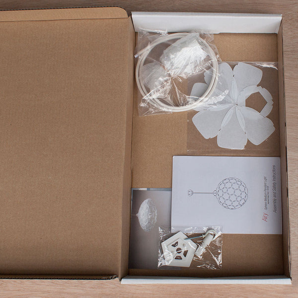 flat pack lamp packaging made by 24d-studio in Japan