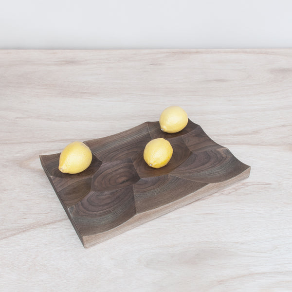 Storm tray was inspired by the undulating ocean surface and is perfect for fruits and vegetable storage and display.