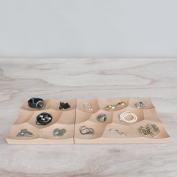 Organize use accessories and jewelry with Storm display system by 24d-studio