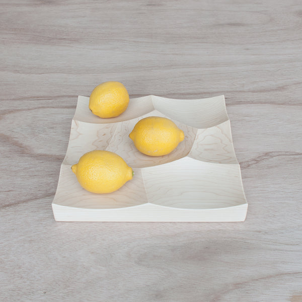 fruits displayed on small Storm Tray in maple wood made in Japan by 24d-studio