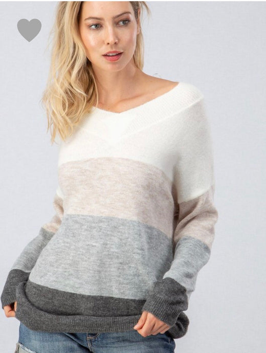 118 Beige & Gray Color Block Sweater