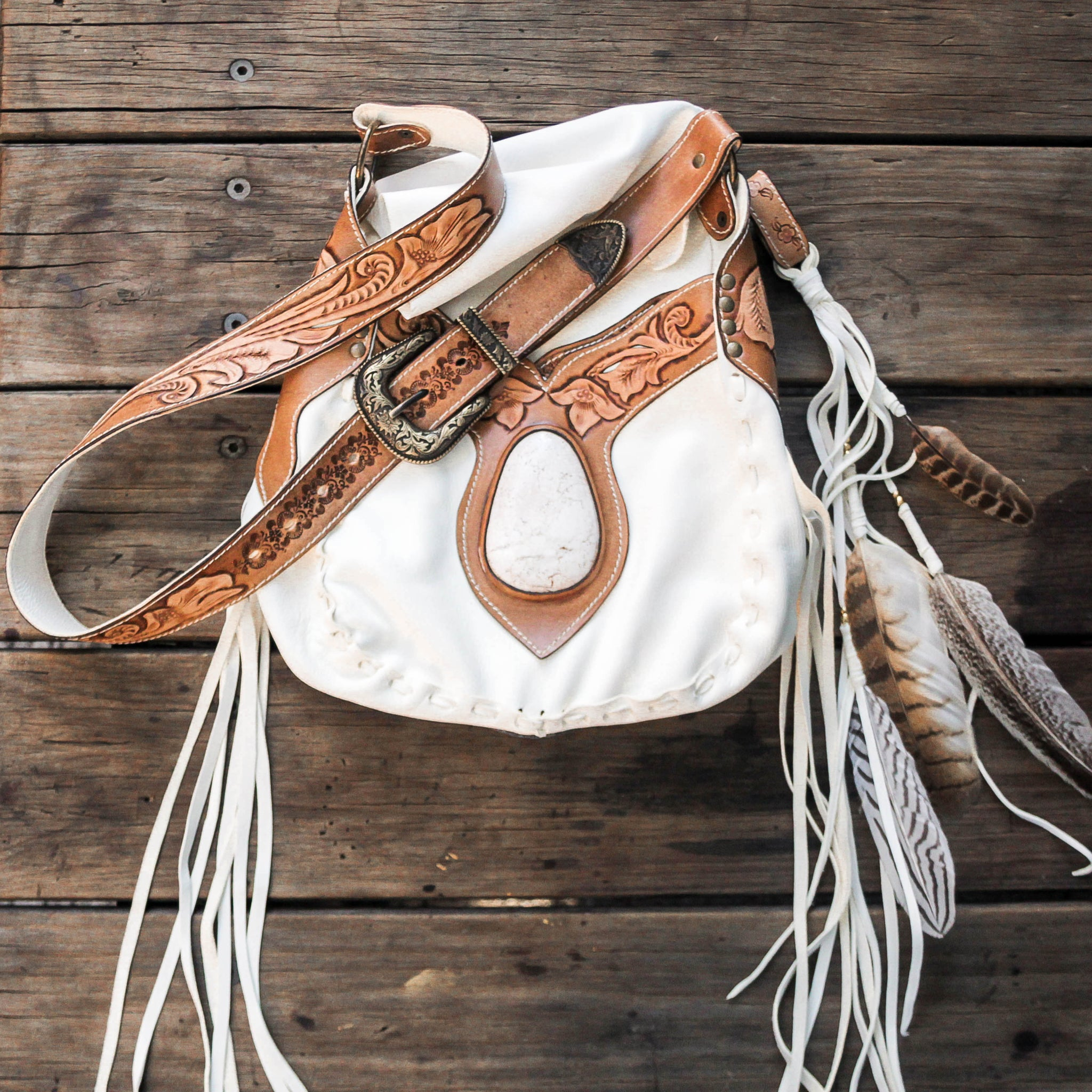 Raw Hyde Nomad Bag with Howlite in white deerskin.