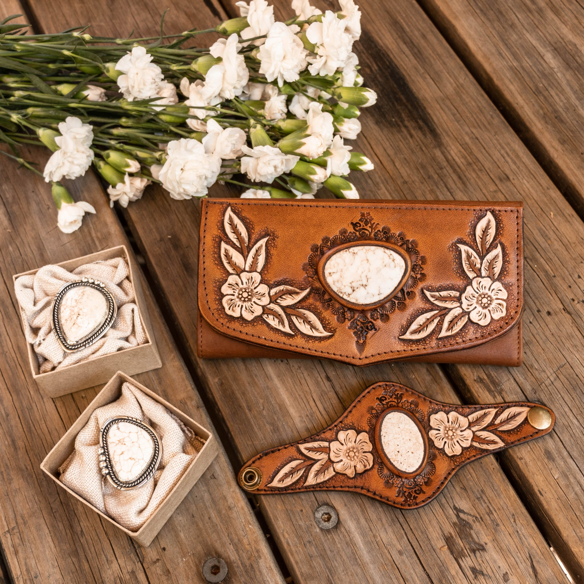 Hand carved and painted leather Flower wallet with Howlite with matching cuff  & silver rings