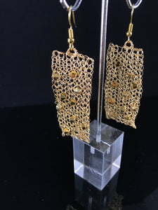 Earrings gold Swarovski mirror crystals hand crocheted from wire