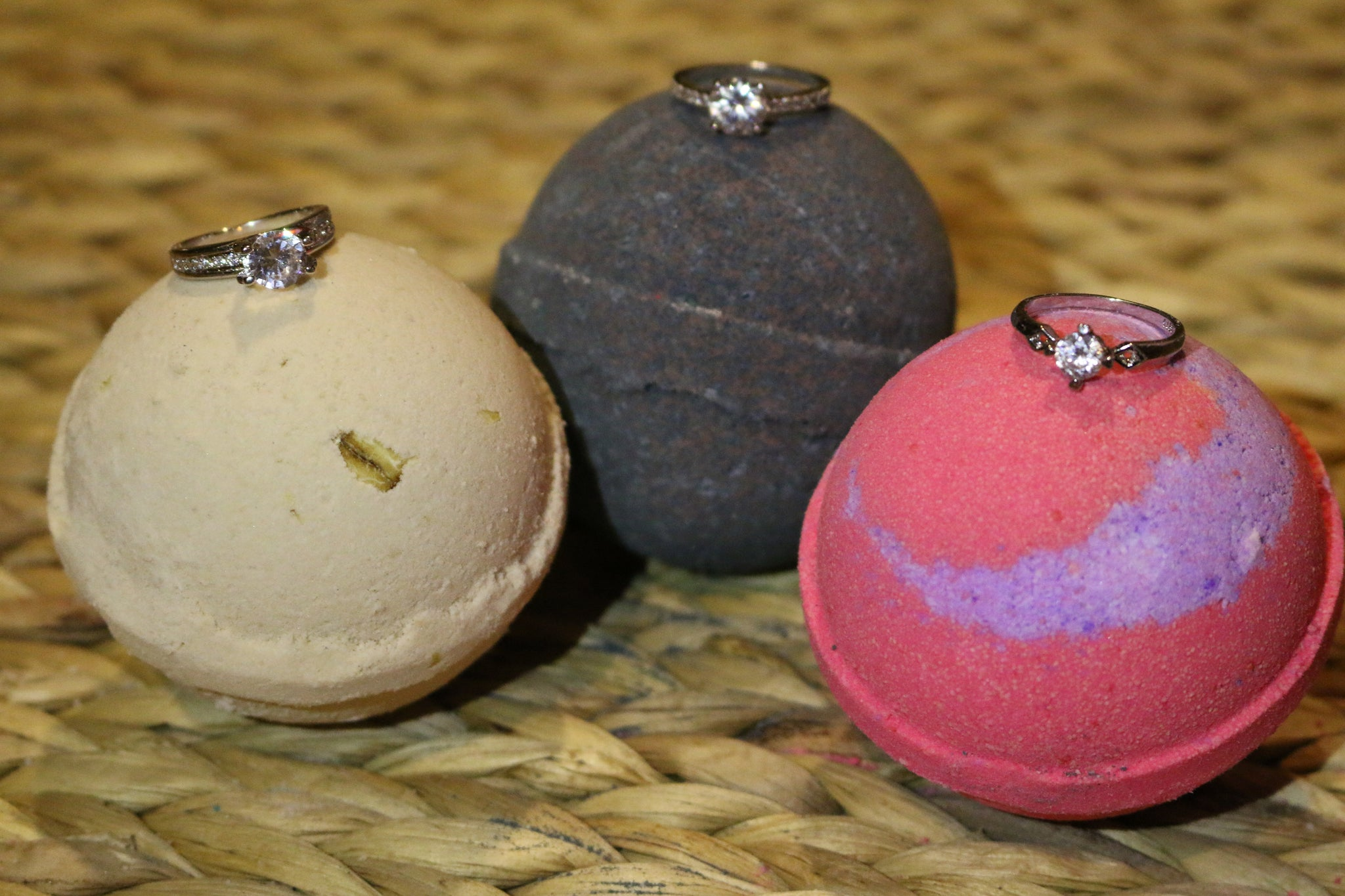 Black Velvet Ring Bath Bombs