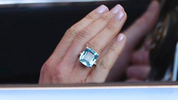 Meghan's royal jewelry on her wedding day