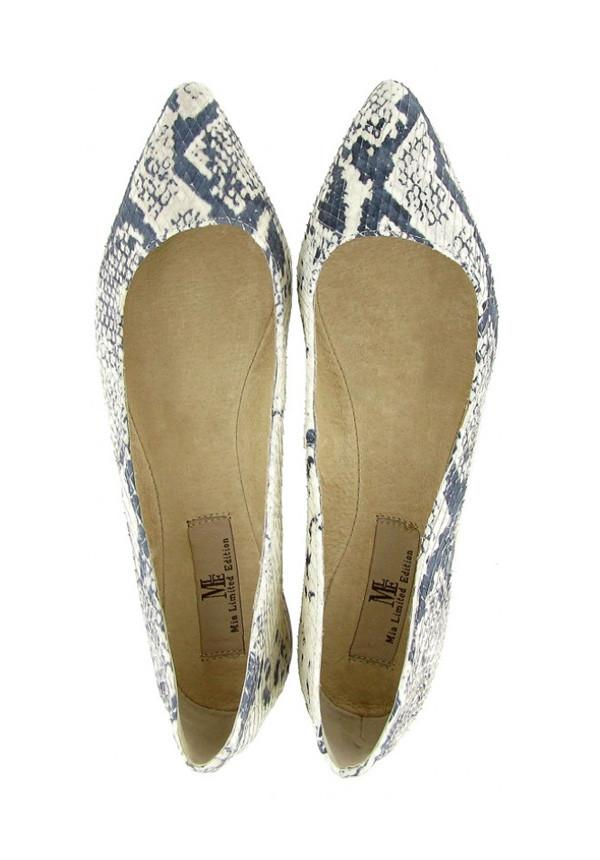 Pointed-Toe Ballet Flats