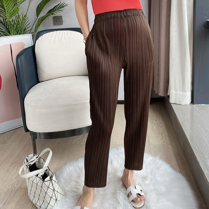 Tiana Solid Pleated Pants
